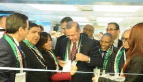 Erdoğan Filistin atkısı takıp, açılış yaptı