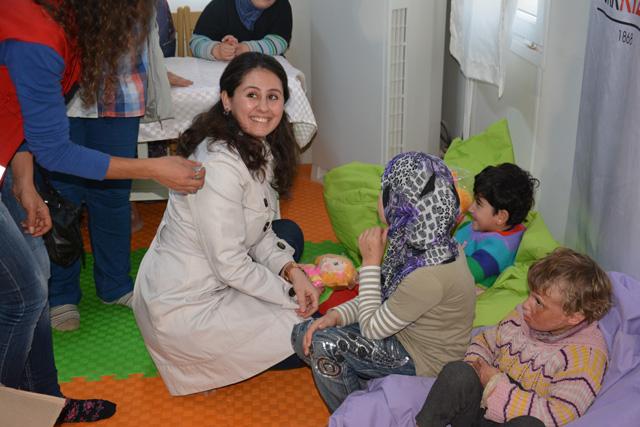 Kaymakam Huzeyfe Citer'in Eşinden Suriyeli Engelli Çocuklara Ziyaret