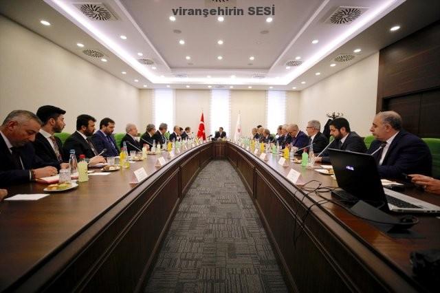 Vatandaşların Şikayeti Üzerine Enerji Bakanı Elektrik Şirketlerine Uyarılarda Bulundu